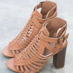 CAGED STYLE HEEL BOOTIES TAN only wear one time!